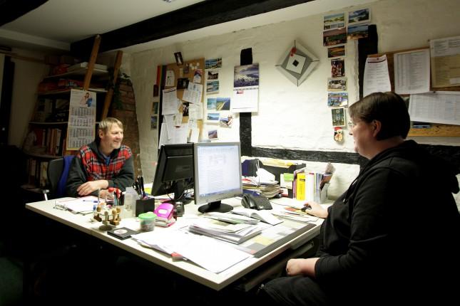 Das Büro im ersten Stock des Ebeling-Hauses, von hier aus koordinieren sie die Arbeit der LAH.