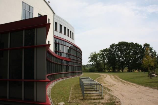 Gebäude 64: Ein neuer Arbeitsplatz an der Uni Lübeck.