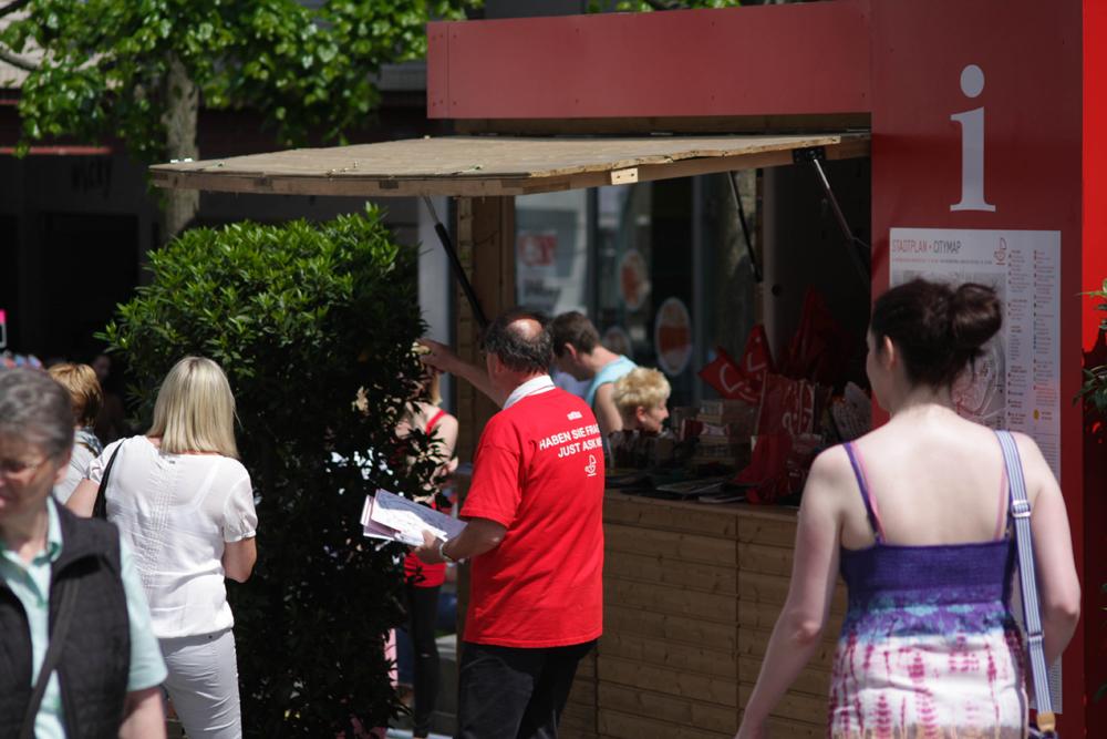 Lübeck-Lotsen helfen Gästen und Lübeckern gerne weiter.