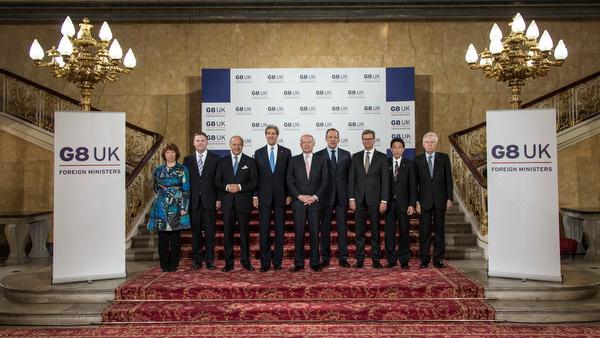 2013 trafen sich in London noch die Großen 8: Die Vereinigten Staaten, Großbritannien, Kanada, Frankreich, Italien, Deutschland, Russland und Japan. In diesem Jahr wurde Russland ausgeladen.
