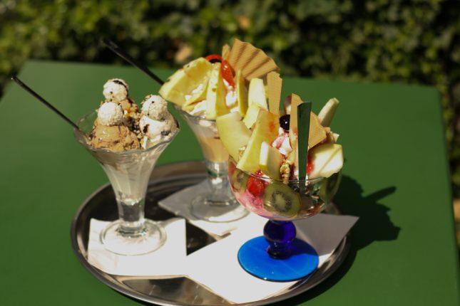 Eisbecher im Eiscafé Florenz