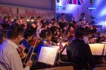 Die Lübeck Pop Symphonics bei ihrem letzten Konzert mit dem musikalischen Thema Großbritannien.
