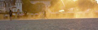 Wenn die Sonne am Strand untergeht ist Zeit für Kino