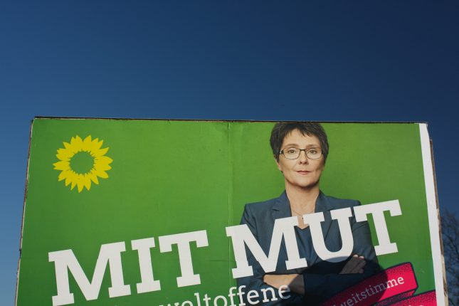 """Die Grünen werben dieses Jahr mit Mut und Sonnenblume, oft aber ohne ihren Namen """"Bündnis 90/Die Grünen""""."""