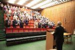 Mit Standing Ovations wurde Professor Solbach nach seiner letzten Vorlesung offiziell verabschiedet.