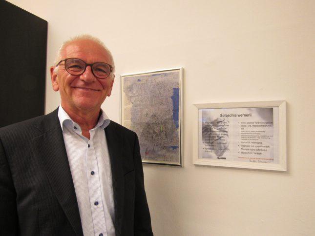 Prof. Dr. Werner Solbach war 20 Jahre lang Professor an der Uni Lübeck und brachte Generationen von Studenten die Mikrobiologie näher.