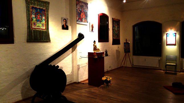 Der Meditationsraum im Buddhistischen Zentrum.