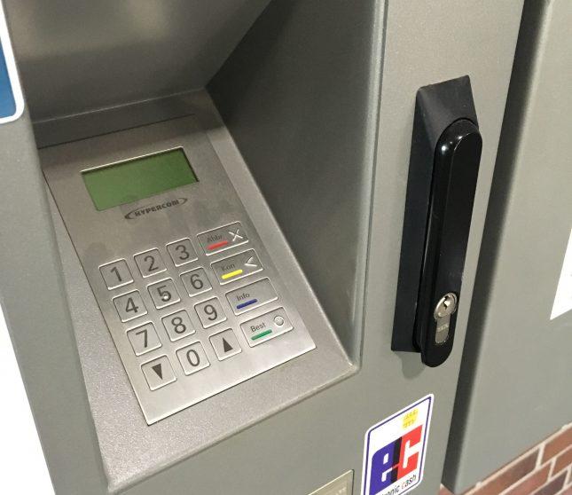 Das PIN Pad an den Automaten in der Mensa wird nicht mehr benötigt.