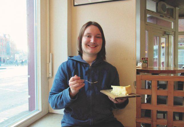 """Heute wird die Torte gegessen statt geworfen: """"Julia Pie""""."""