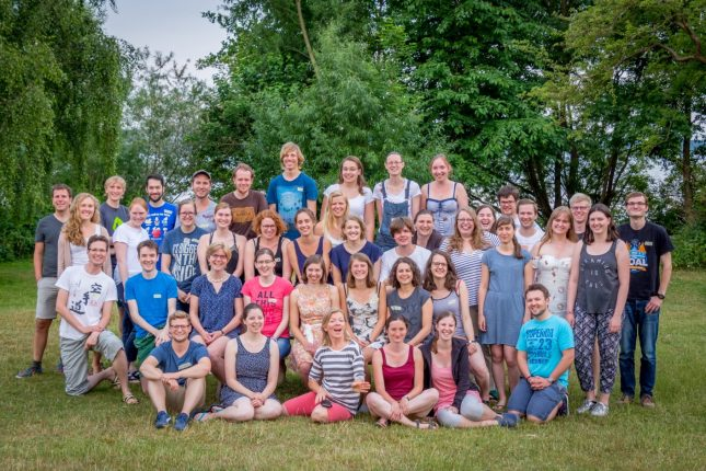 Das ist nur ein Teil des Chores: Inzwischen ist der Lübecker Unichor auf über 80 Sänger und Sängerinnen gewachsen.